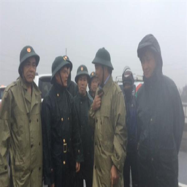 Bão số 10 hoành hành tại Hà Tĩnh