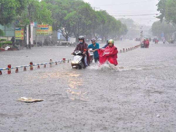 Nắng nóng và cảnh báo mưa dông trên diện rộng ở Tây Nguyên, Nam Bộ