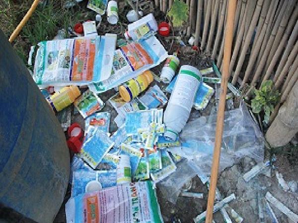 Báo động tình trạng nông dân lạm dụng thuốc bảo vệ thực vật