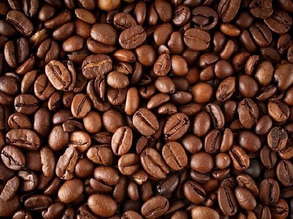 Cà phê tăng tiếp đầy triển vọng, giá tiêu tăng giảm không đều