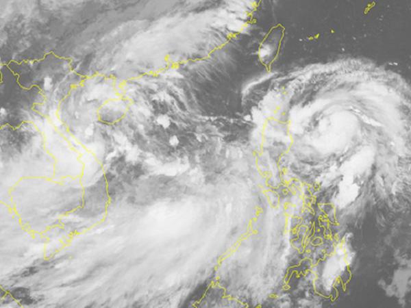 Áp thấp nhiệt đới Kajiki giật cấp 8, miền Trung mưa gió dị thường