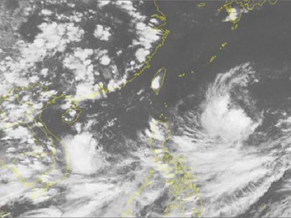 Trung Bộ có thể sẽ tiếp tục hứng chịu thêm áp thấp nhiệt đới trong vài ngày tới