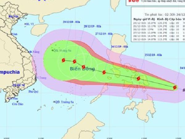 Tin bão mới nhất: cơn bão PhanFone gần Biển Đông