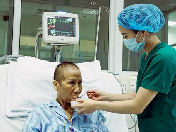Tiết lộ chi phí điều trị cho bệnh nhân nhiễm COVID-19 nặng nhất miền Bắc