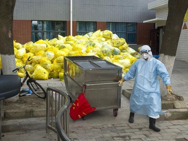 Sau COVID-19 sẽ là 'nạn dịch' rác thải y tế
