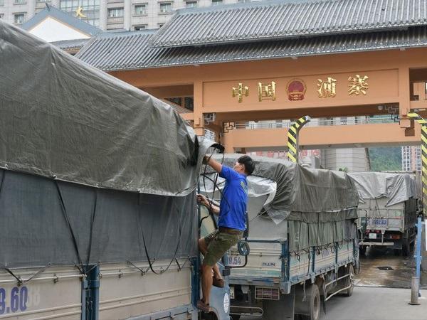 Trung Quốc đưa ra những quy định mới, nông sản Việt Nam gặp khó