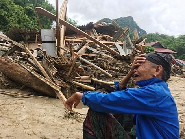 Trục lợi do mưa lũ có thể bị phạt đến 30 triệu đồng, tước giấy phép kinh doanh