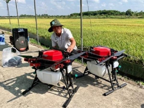 Ứng dụng drone trong canh tác nông nghiệp công nghệ cao
