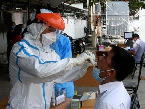 Một chiến sĩ nghĩa vụ quân sự dương tính với SARS-CoV-2 qua test nhanh
