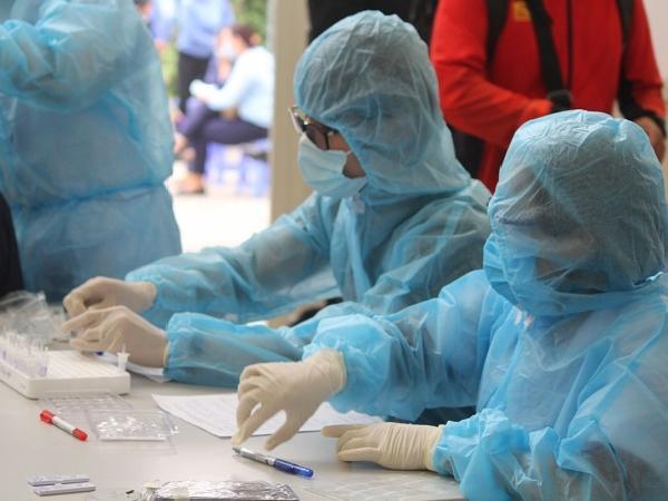 Hà Nội ghi nhận thêm 8 trường hợp dương tính với SARS-CoV-2