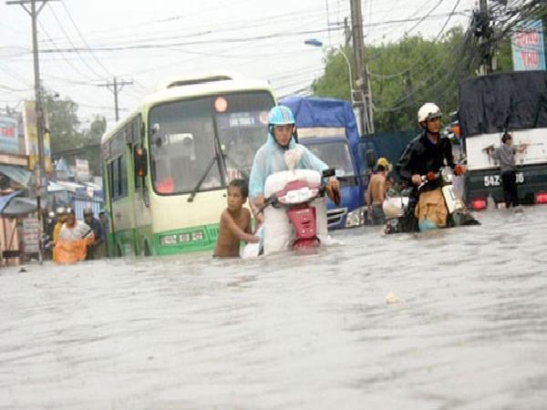 Triều cường dâng cao ở Nam Bộ, nguy cơ ngập lụt sâu
