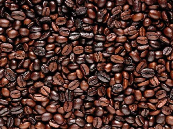"""Giá cà phê hôm nay """"đỏ sàn"""", giảm sốc 900 đồng/kg, giá tiêu khó tăng tới năm 2018"""