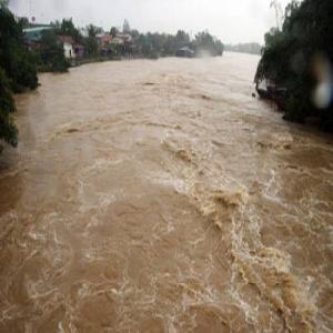 Bắc Bộ tiếp tục mưa to và rất to, tin lũ khẩn cấp trên sông Hoàng Long