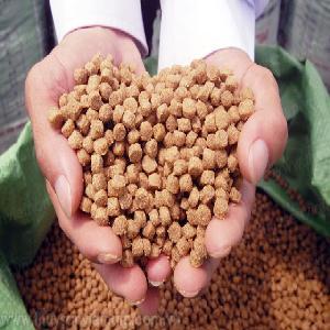 Trà Vinh: Kinh doanh thức ăn thủy sản giả